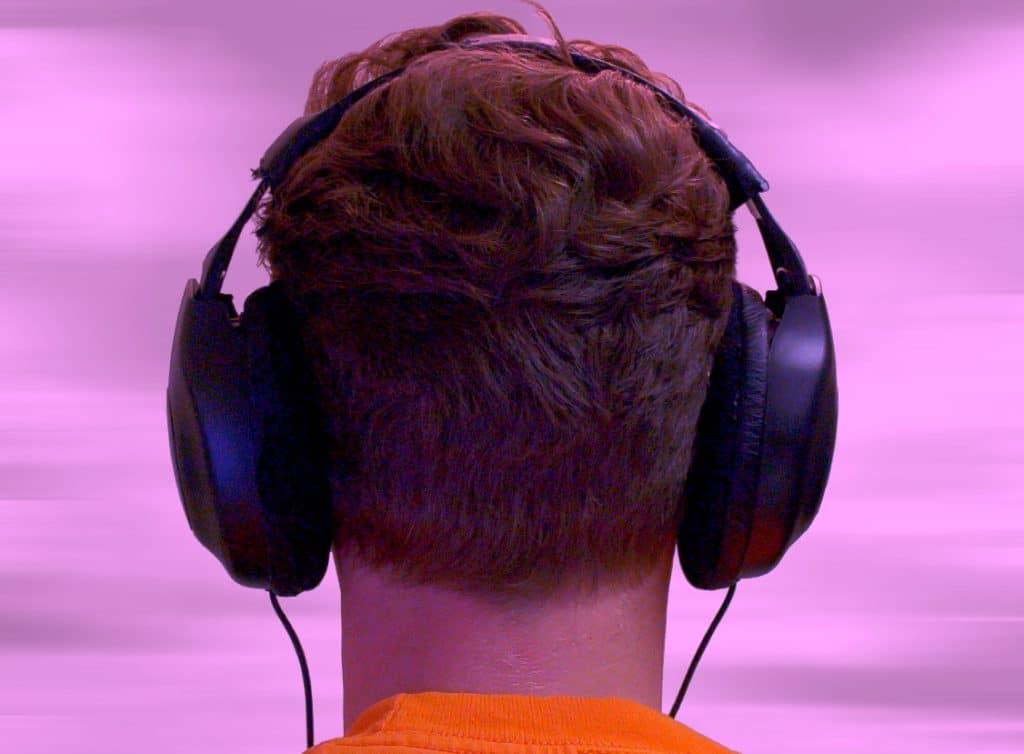 escuchar música binaural